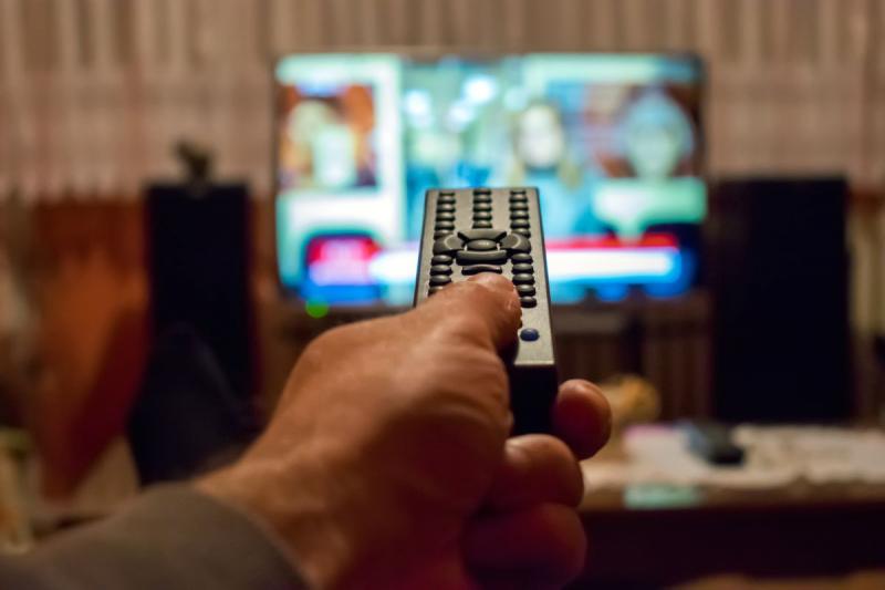 Không xem TV trong thời gian làm việc