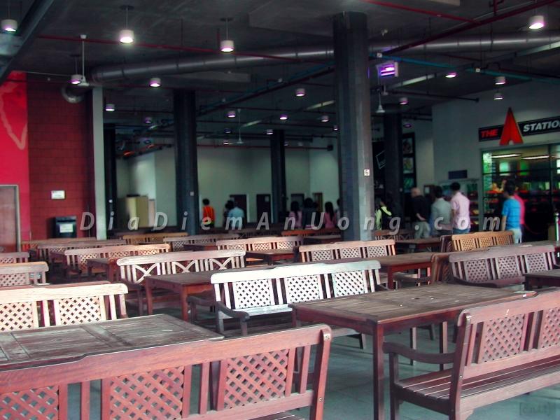 RMIT Đại Học xa hoa cùng khu ăn uống sang chảnh