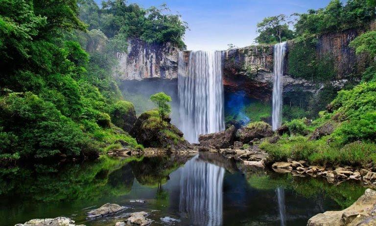 Thác nước trong khu bảo tồn thiên nhiên Kon Chư Răng