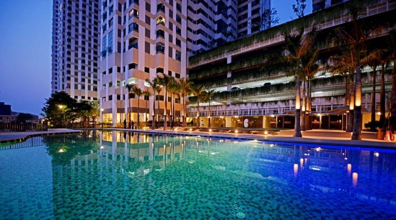 Bể bơi ở khu căn hộ Mulberry Lane