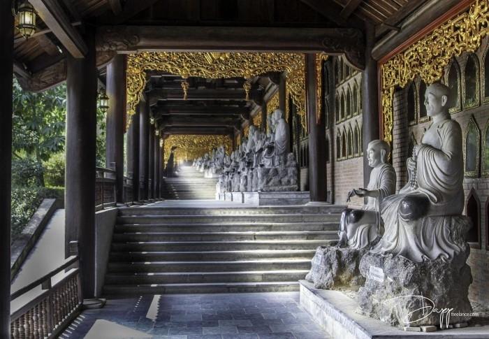 Khu chùa có hành lang La Hán dài nhất châu Á