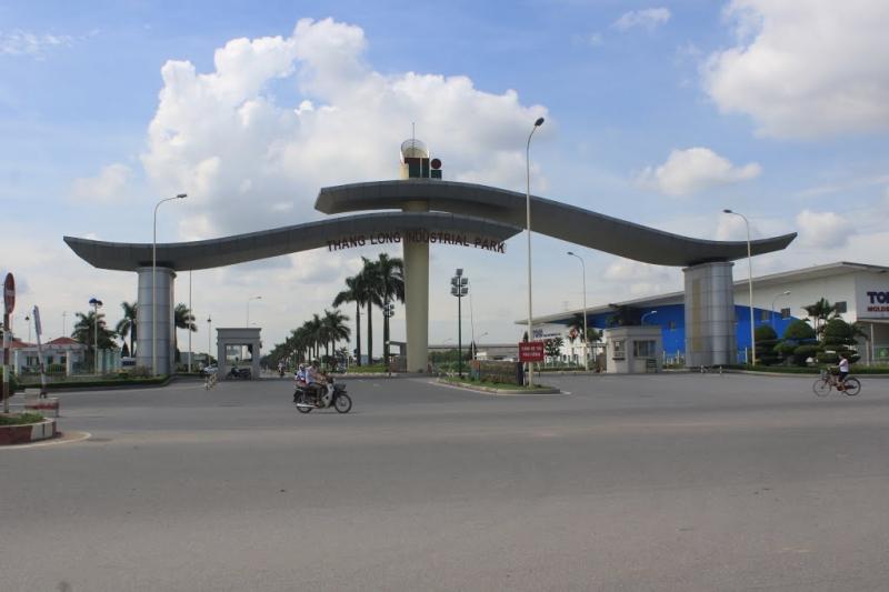 Cổng B khu công nghiệp Thăng Long
