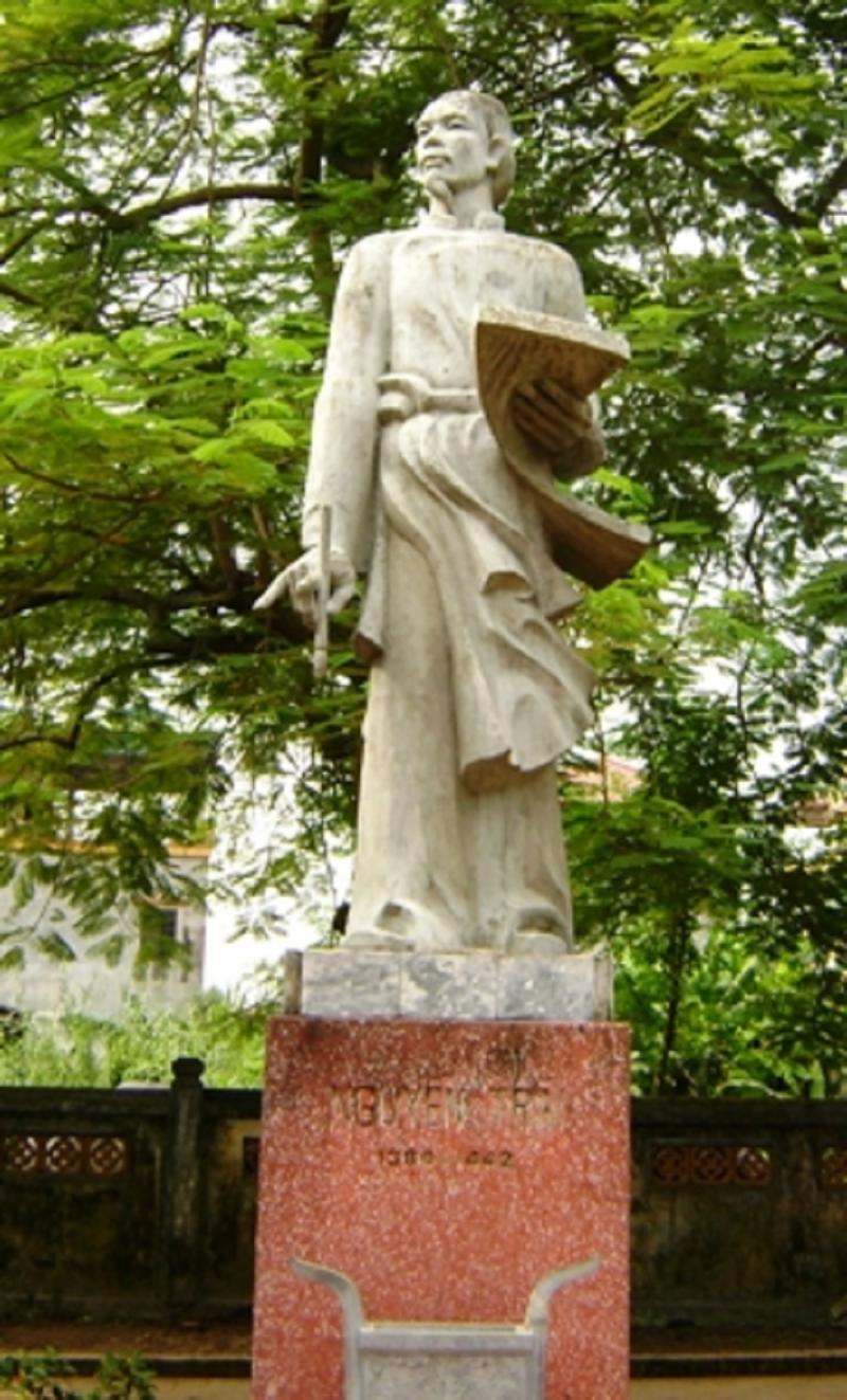 Tượng đài Nguyễn Trãi - Danh nhân văn hóa thế giới