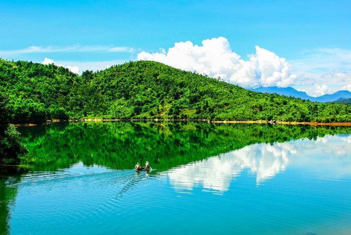 Khu di tích danh thắng quốc gia Hồ Phú Ninh
