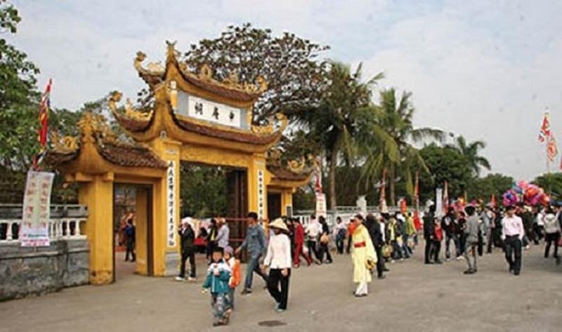 Khu di tích Trạng Trình Nguyễn Bỉnh Khiêm luôn tấp nập du khách thập phương đến thăm