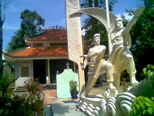 Đền thờ Võ Duy Dương và Đốc Binh Kiều trong khu di tích