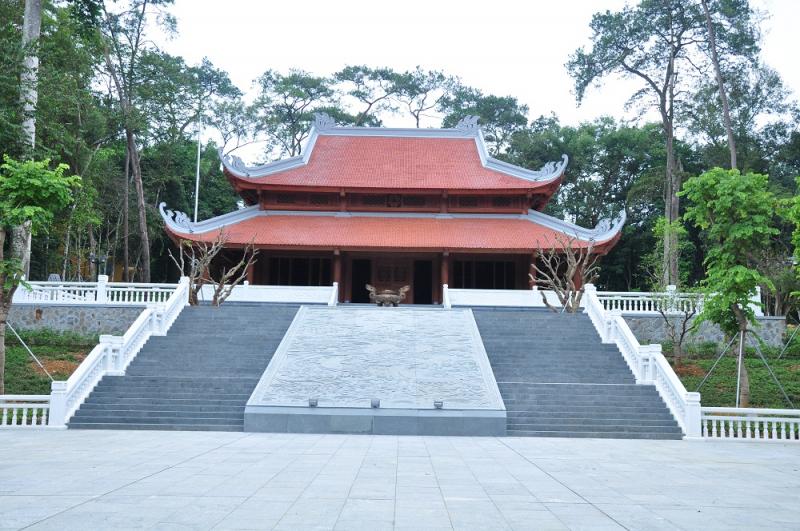 Nhà tưởng niệm Hồ Chí Minh tại khu di tích K9