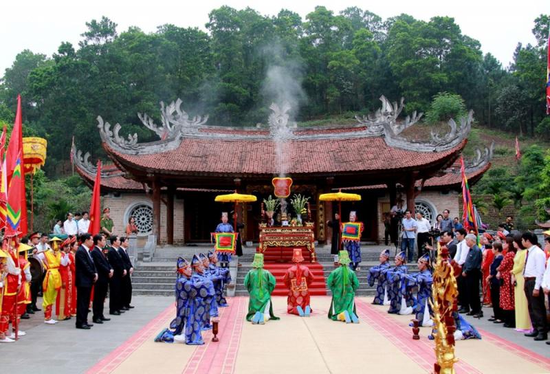 Khu di tích lịch sử Đền Hùng
