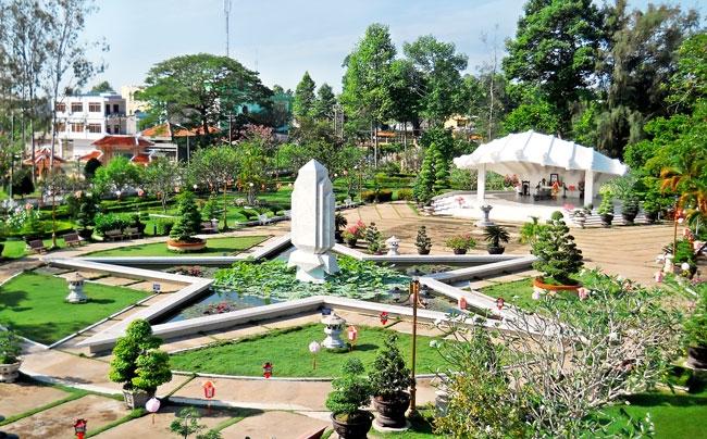 Khu di tích lăng cụ phó bảng Nguyễn Sinh Sắc
