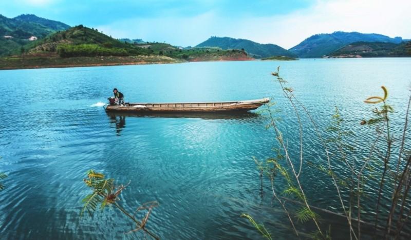 Khu du lịch hồ Doãn Văn