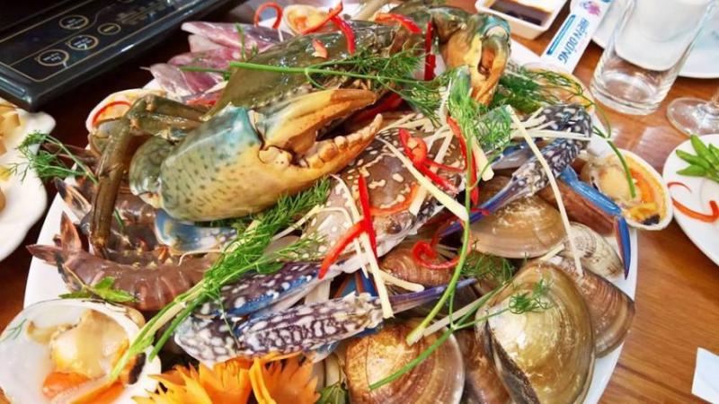 Món ăn tại Khu du lịch sinh thái Biển Đông