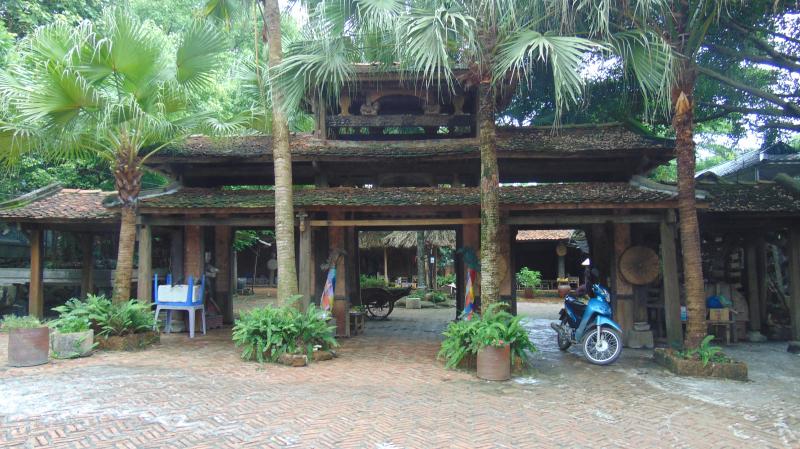 Khu du lịch sinh thái Long Việt