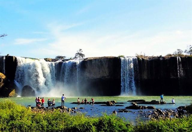 Khu du lịch sinh thái văn hoá cụm thác Đray Sáp – Gia Long – Trinh Nữ