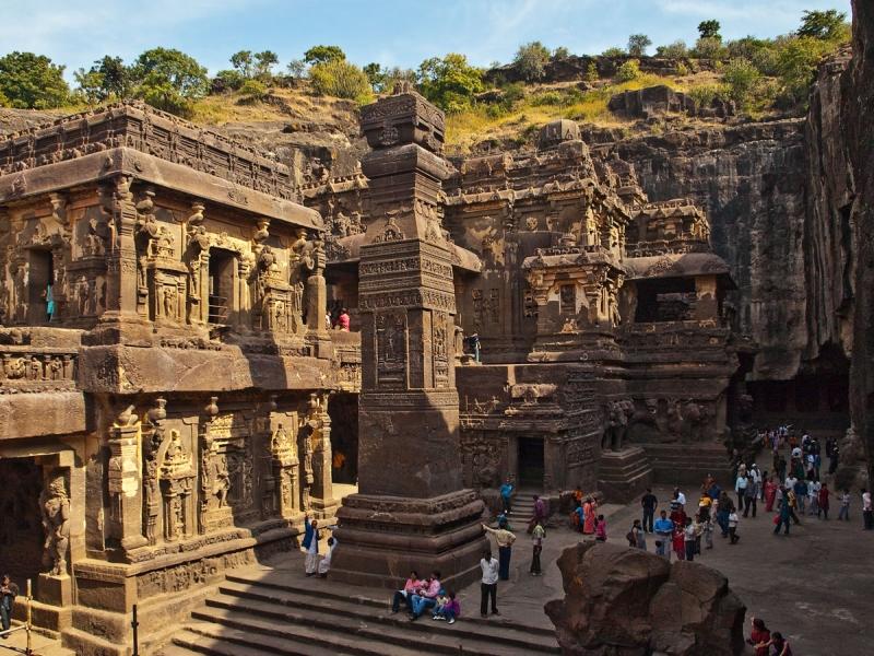 Khu chùa hang Ajanta ở miền Trung Ấn Độ.