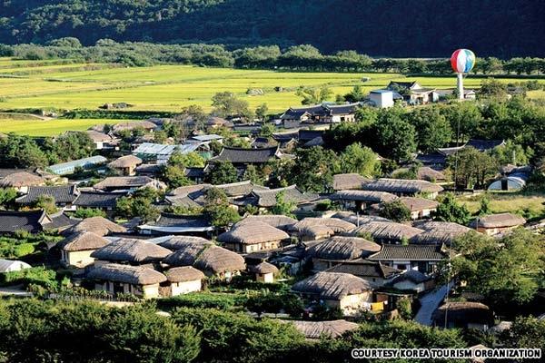 Toàn cảnh khu làng cổ yên bình của Hàn Quốc