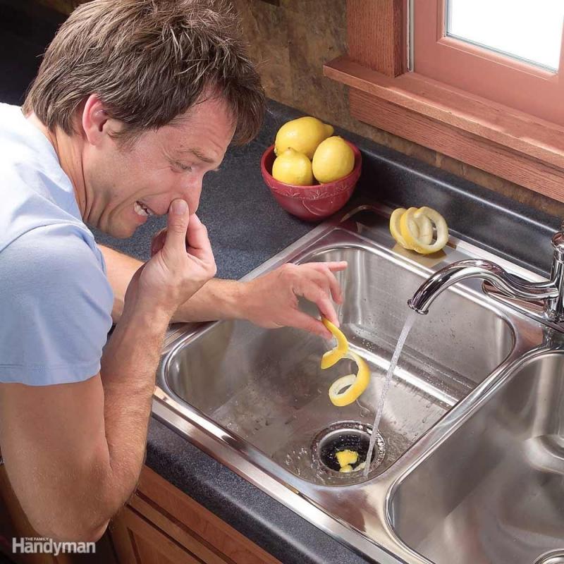 Khử mùi hôi đường ống bằng vỏ chanh