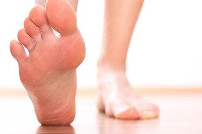 Kem đánh răng có tác dụng khử mùi hôi chân