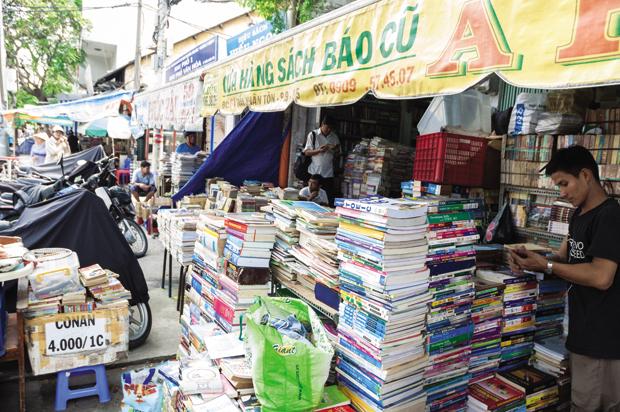 Khu sách cũ đường Trần Nhân Tôn