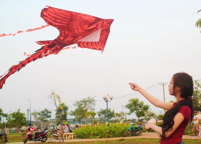 Khu thả diều ven bờ kênh Nhiêu Lộc