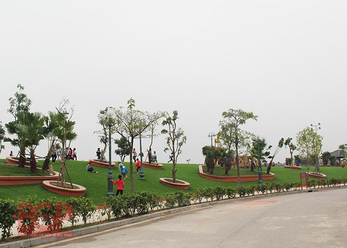 Toàn cảnh công viên Hoàng Hoa Thám