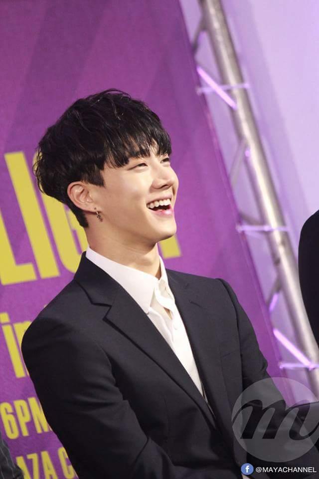 Sở hữu thân hình 6 múi nhưng Ki Kwang lại có nụ cười thiên thần