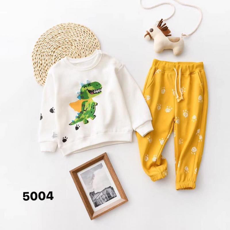 Các mẹ sẽ hoàn toàn yên tâm khi mua sắm quần áo cho bé tại của hàng của KidCare