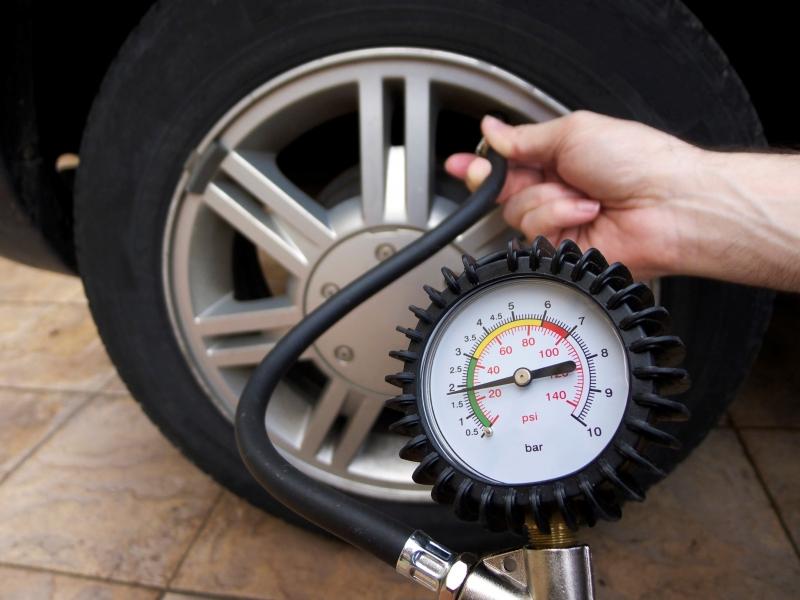 Kiểm tra lốp