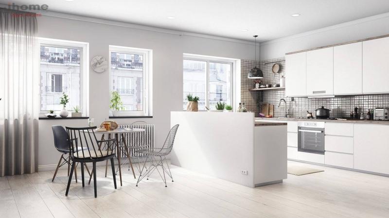 Một mặt của phòng bếp nên nhìn về chỗ thoáng của ngôi nhà như, ban công, khoảng trống bên hông nhà...