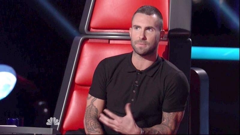 Adam Levine - nhóm Maroon 5 cũng lựa chọn kiểu tóc Buzz này