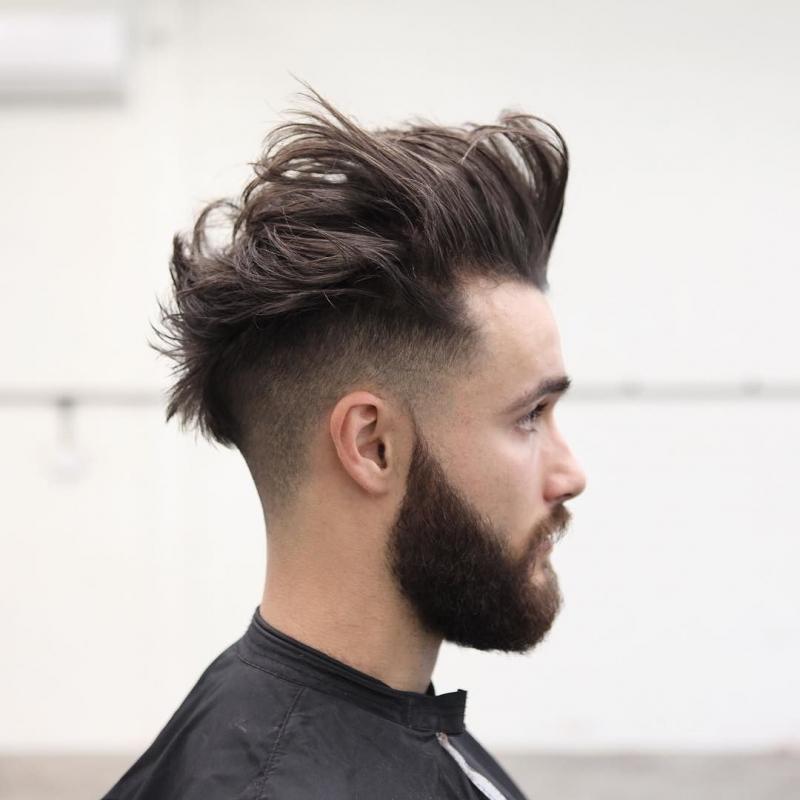 Kiểu tóc Mohawk đầy cá tính