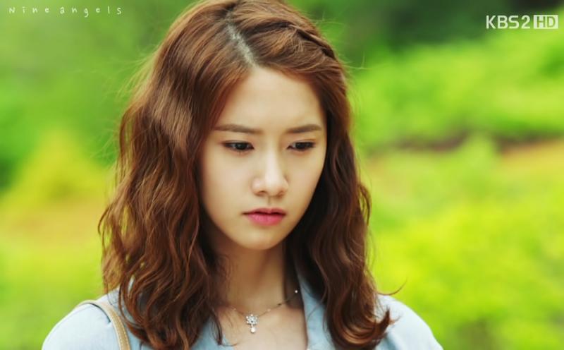 Mái tóc ngắn xoăn sóng nước Hàn Quốc tôn lên vẻ gợi cảm cho phái nữ