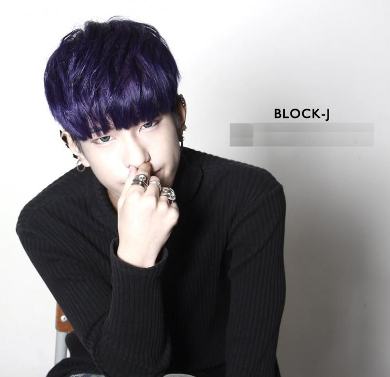 Kiểu tóc two block thu hút mọi ánh nhìn.