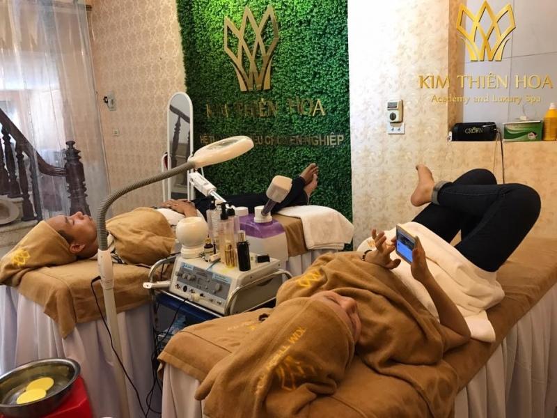 Cơ sở vật chất tốt, thiết bị cao cấp, nhân viên có chuyên môn, nhiệt tình là những gì bạn sẽ nhận được khi đến với Kim Thiên Hoa Spa.