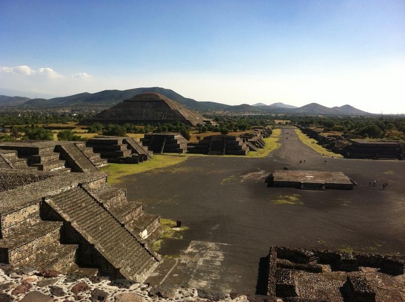 Kim tự tháp Mặt Trời ở Teotihuacan, Mexico