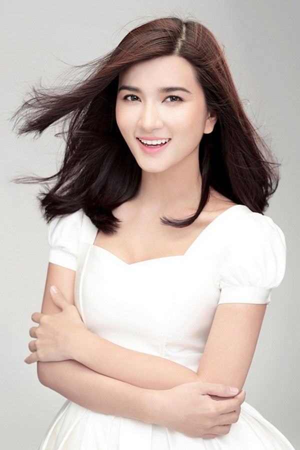 Beautiful actress Kim Tuyen