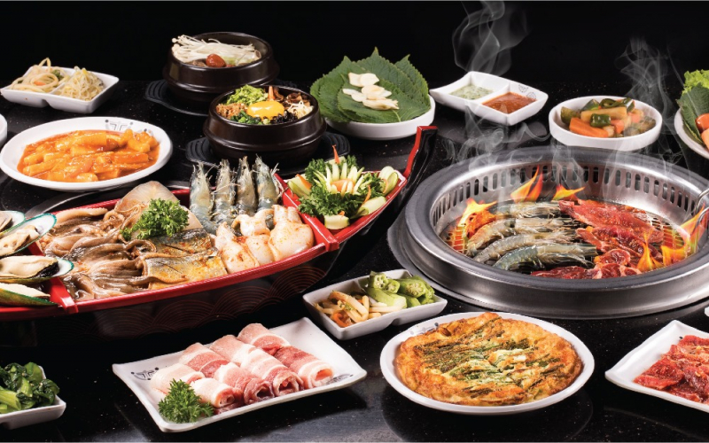 And no matter which form you choose, the menu of more than 200 diverse dishes featuring Korean flavors here will also bring you the most satisfying experiences!