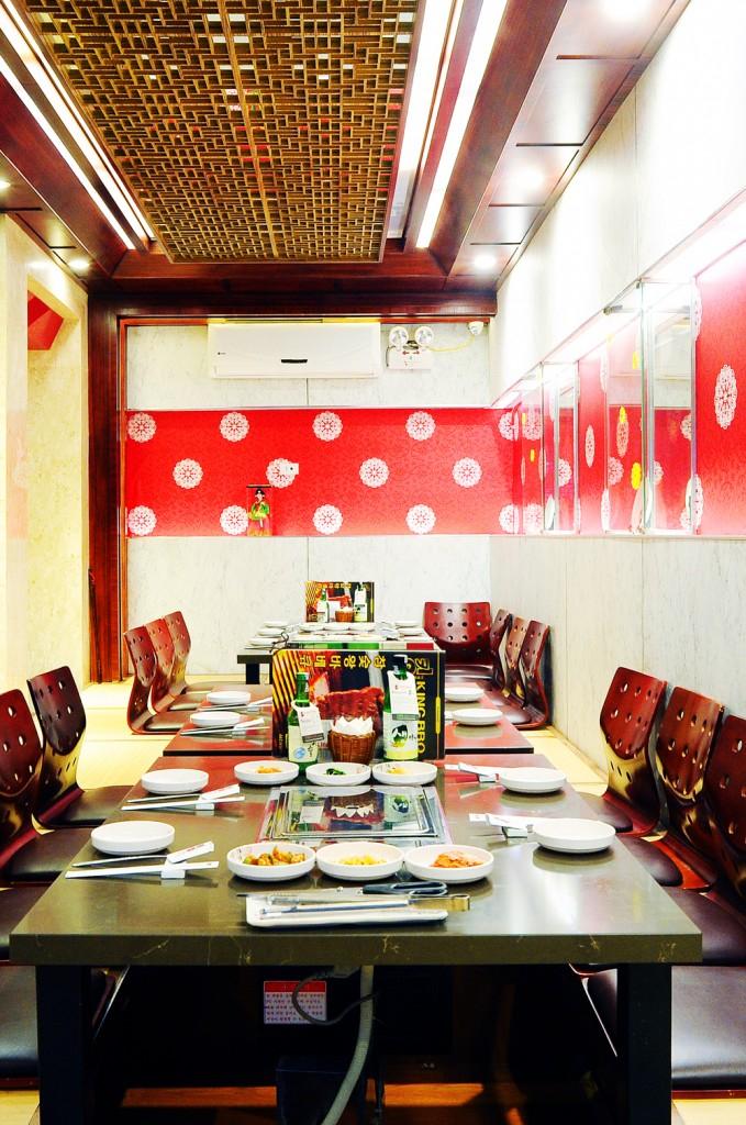 King BBQ Buffet đặc biệt thích hợp với khách hàng có nhu cầu tổ chức liên hoan sinh nhật, khách đoàn và gia đình