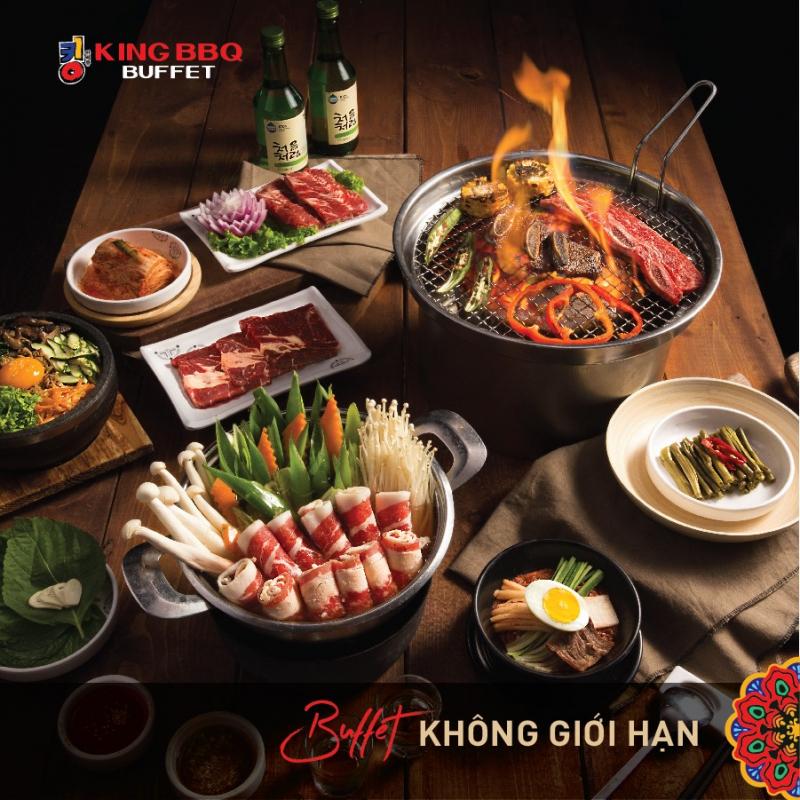 Thực đơn Buffet của King BBQ có hơn 200 món ăn đa dạng đặc trưng hương vị Hàn Quốc, đảm bảo khiến khách hàng ấn tượng và thỏa mãn