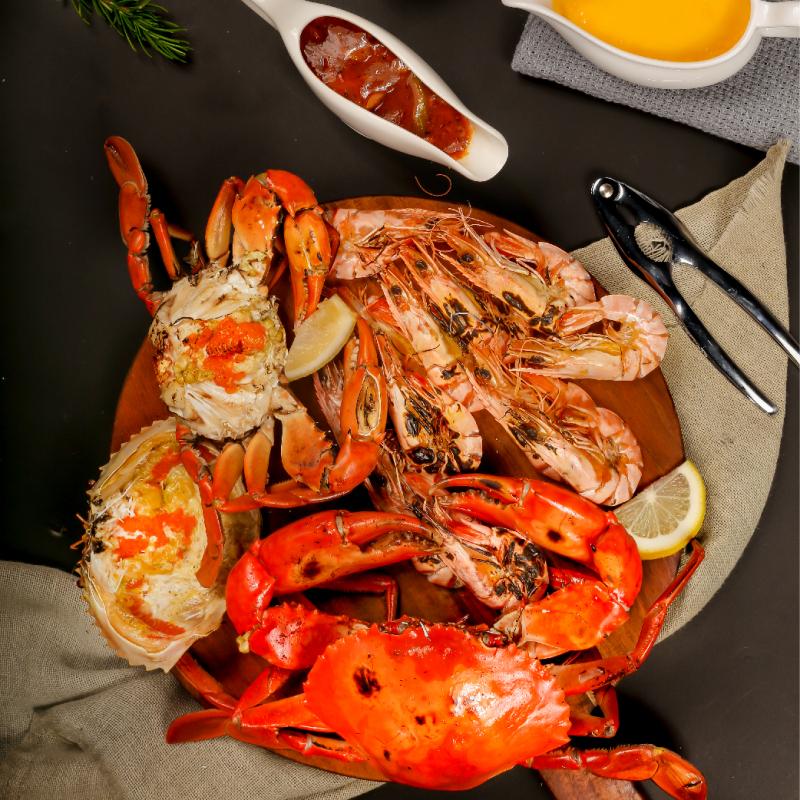 Vua Cua luôn chú trọng  vào chất lượng hải sản, đặc biệt còn bạn còn có thể đặt online và được giao hàng tận nơi