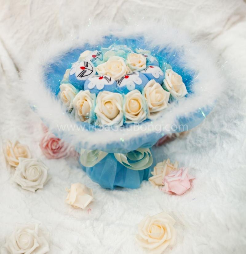 Hoa, gấu bông, socola đều là những mặt hàng kinh doanh được vào ngày Valentine (Nguồn: Sưu tầm)