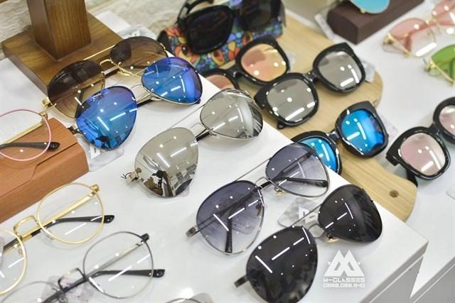 Một số mẫu kính mát đẹp - rẻ - độc tại Mắt kính Sài Gòn