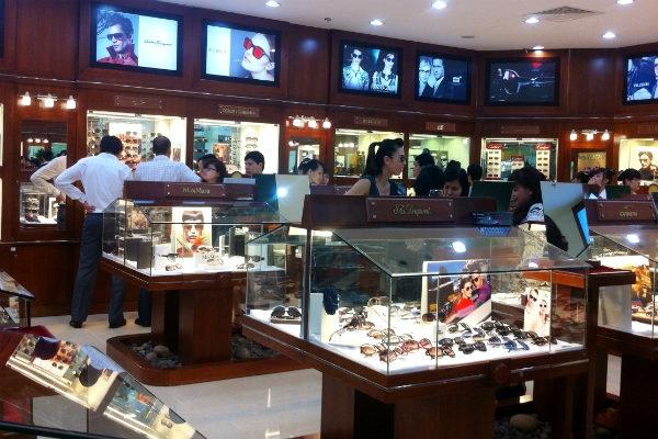 Cửa hàng cung cấp đa dạng các loại kính