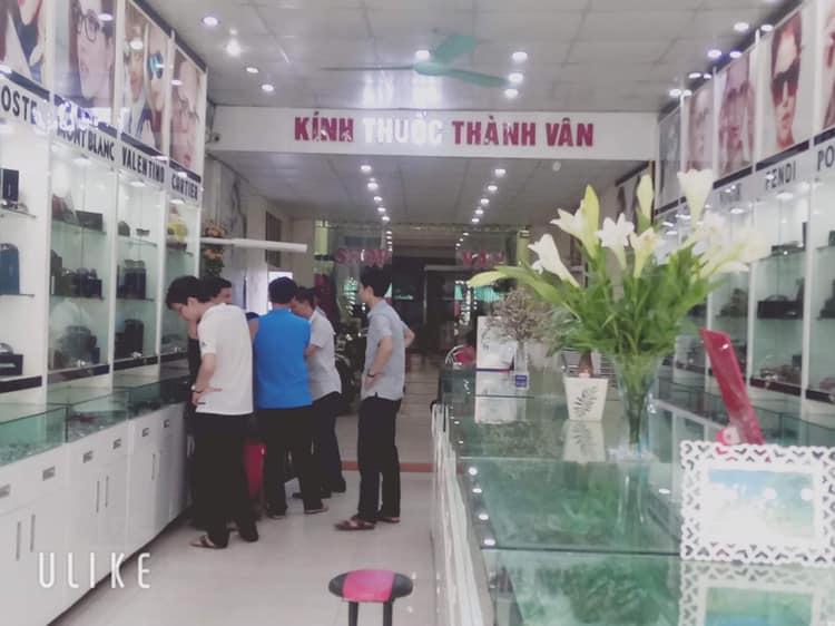 Trung tâm kính thuốc Thành Vân