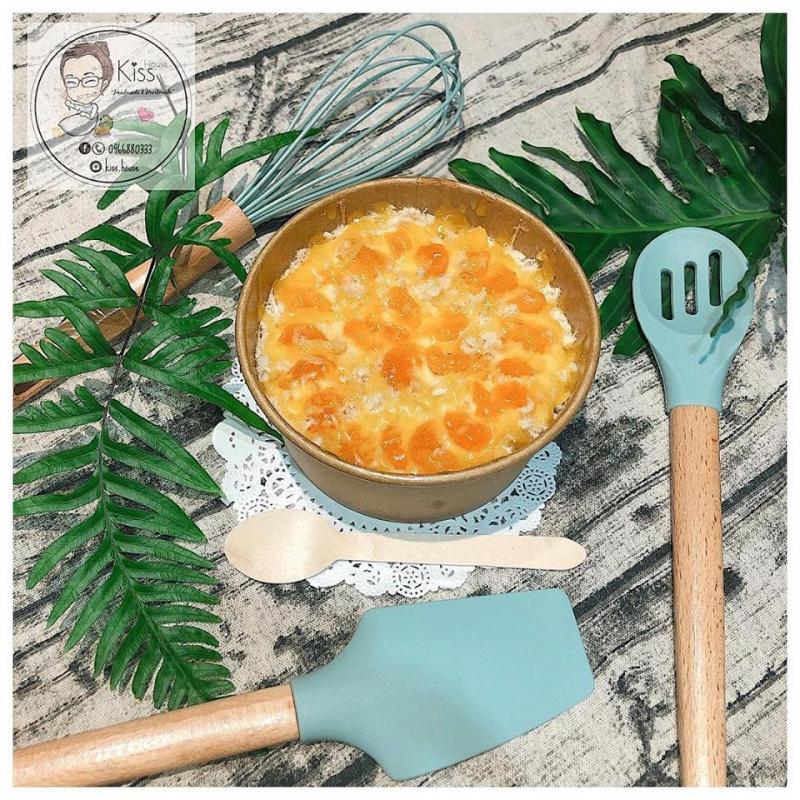 Hương vị mặn ngọt trộn lẫn vào nhau tạo nên món ăn vặt tuyệt hảo.