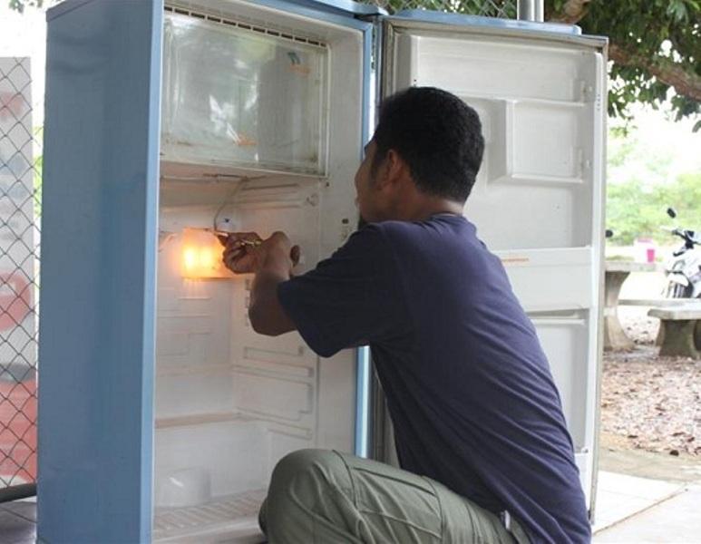 Với đội ngũ nhân viên có nhiều năm kinh nghiệm trong nghề công ty Điện lạnh Khánh Sáng sẵn sàng xử lý những căn bệnh khó một cách triệt để và có độ bảo hành cao.