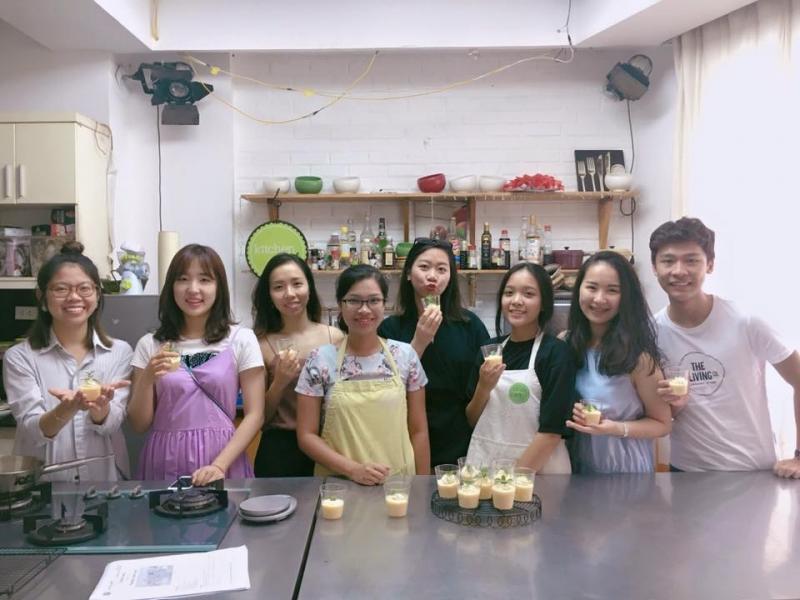 Những người học làm bánh ở Kitchen Art