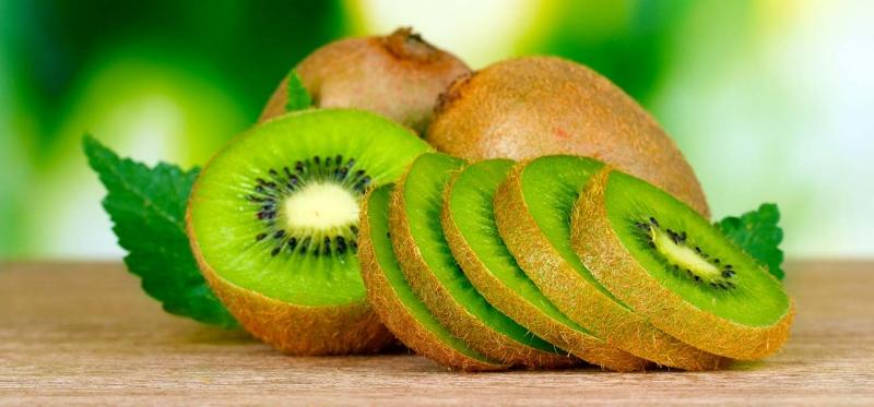 Tác dụng không ngờ của kiwi với làn da