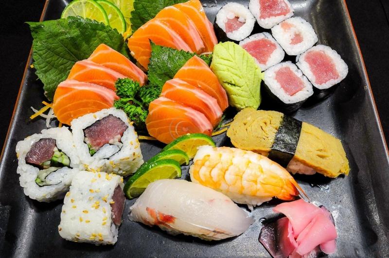 Sushi và Sashimi  của KOI