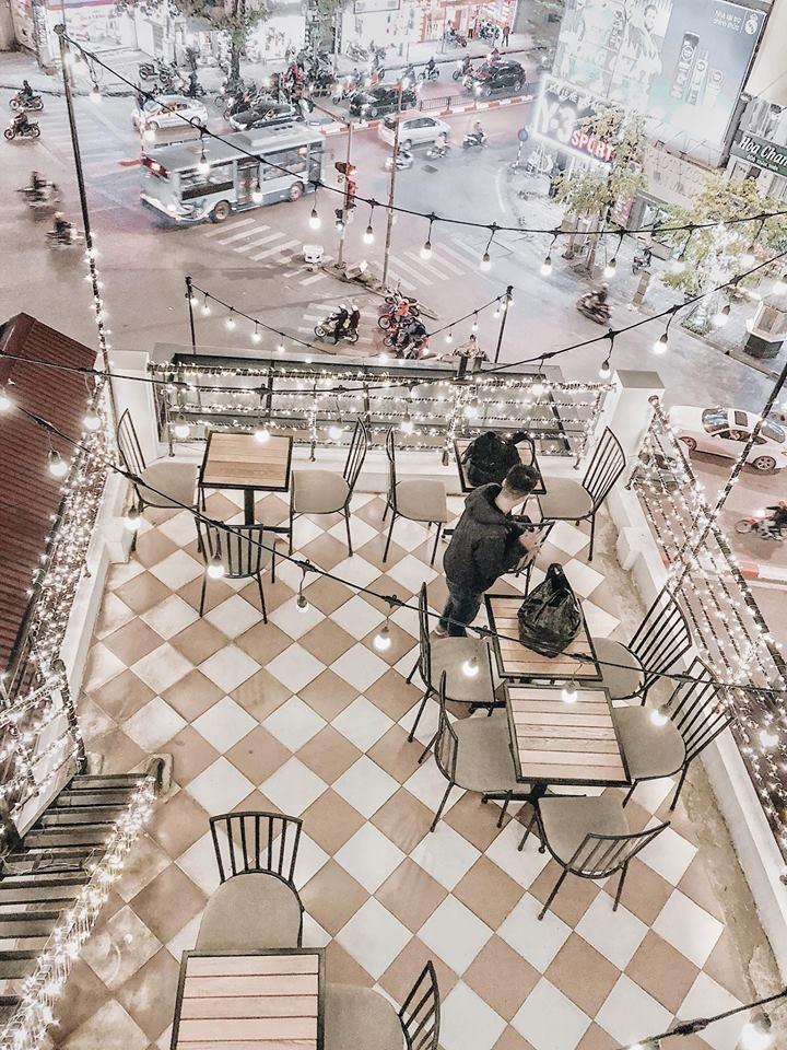 Tầng 4 của Nola Cafe chụp từ trên cao