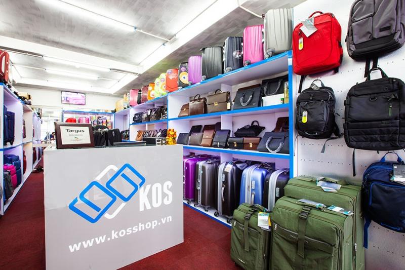 Không gian trưng bày tại KOS Shop